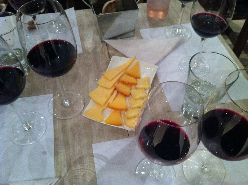 9. wine and cheese pair (800x598)