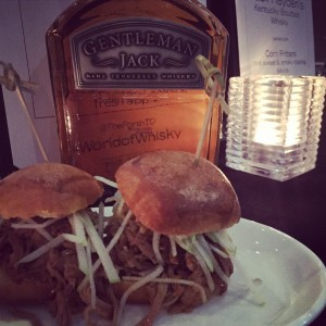 Gentleman Jack Rare Tennessee Whisky with Pulled Smoked Pork with Cola BBQ