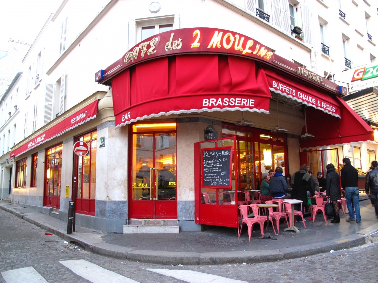 five filming locations in paris that you can visit eat drink travel magazine. Black Bedroom Furniture Sets. Home Design Ideas
