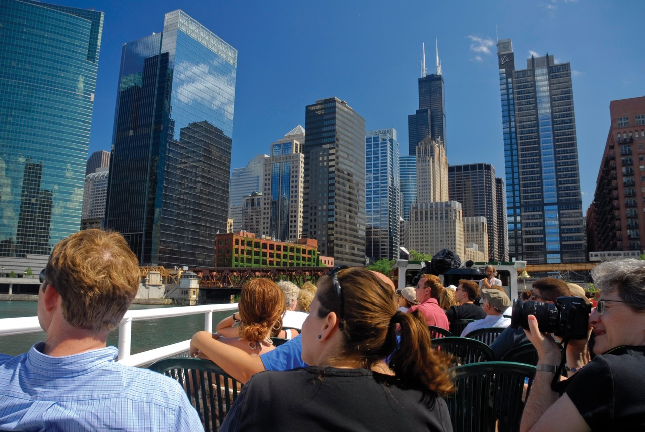Architect Boat Tour (Courtesy City of Chicago)