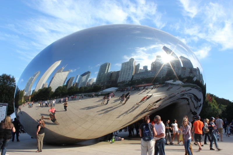 Cloud Gate: Created by artist Anish Kapoor, inspired by liquid mercury.