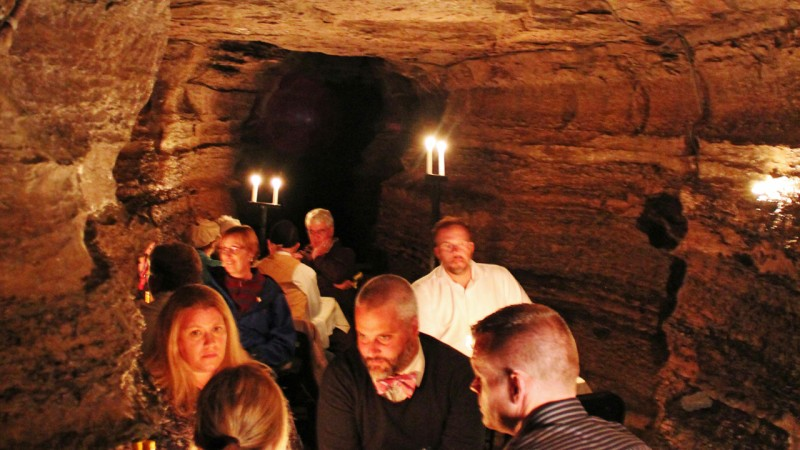Dinner in a cave 1280