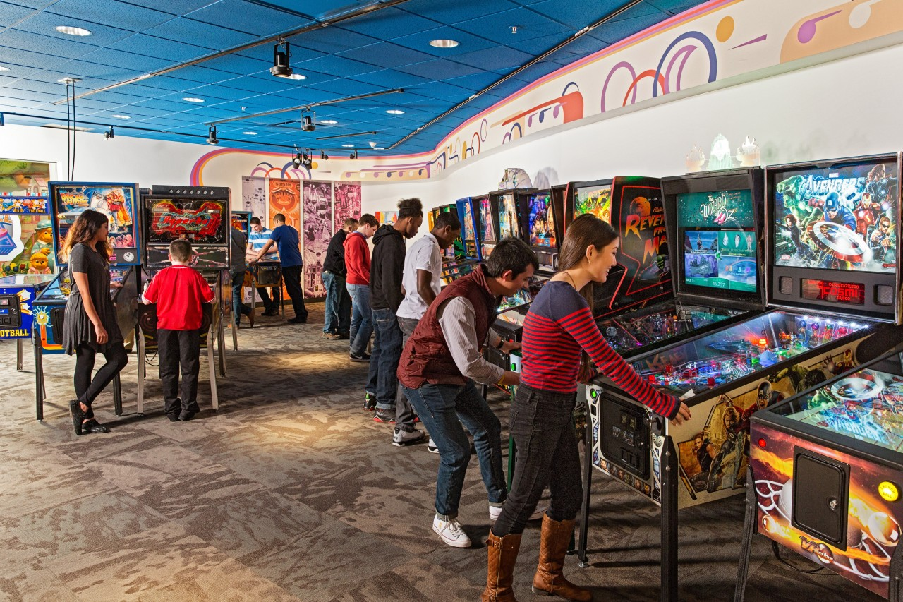Play retro pinball games at the Strong Museum of Play. Image credit Strong Museum.
