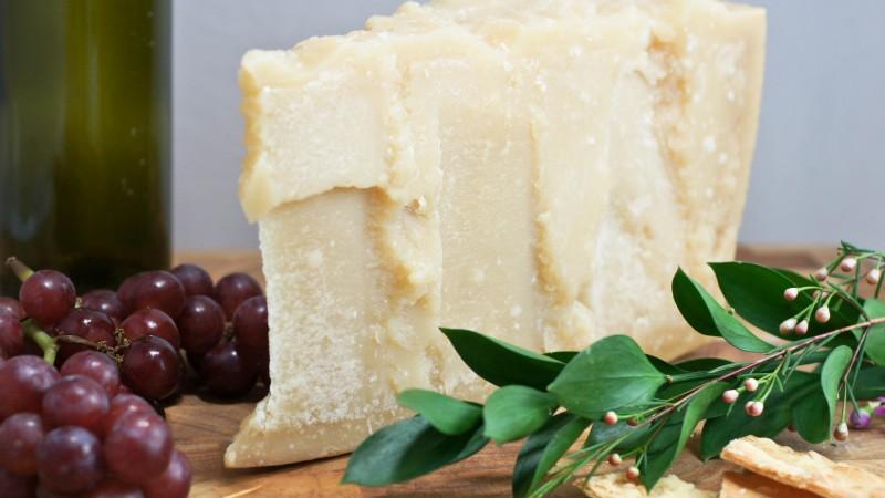 Parmigiano-Reggiano by Artizone